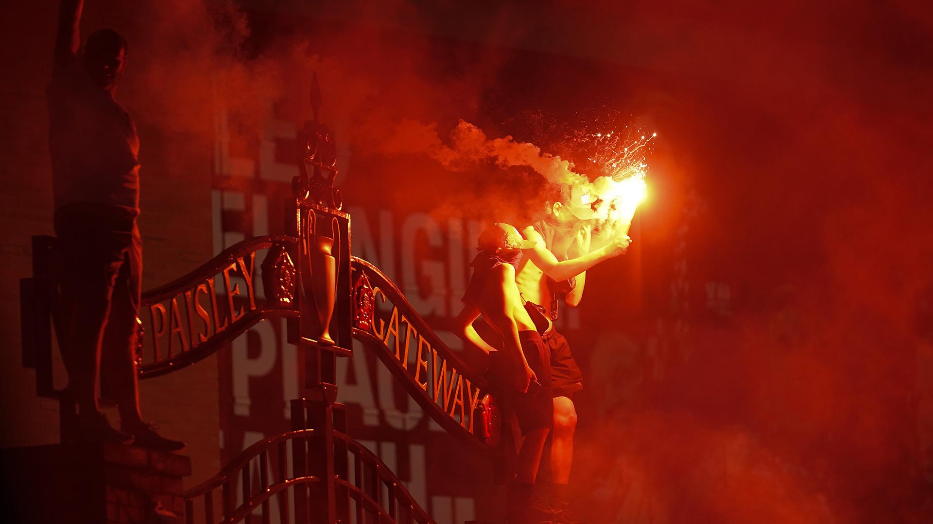 Les fans de Liverpool appelés à la prudence après les célébrations du titre
