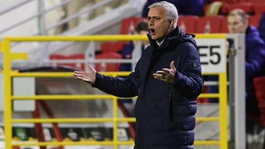(Cúp C2) Tottenham đứt mạch bất bại, Mourinho phản ứng bất ngờ