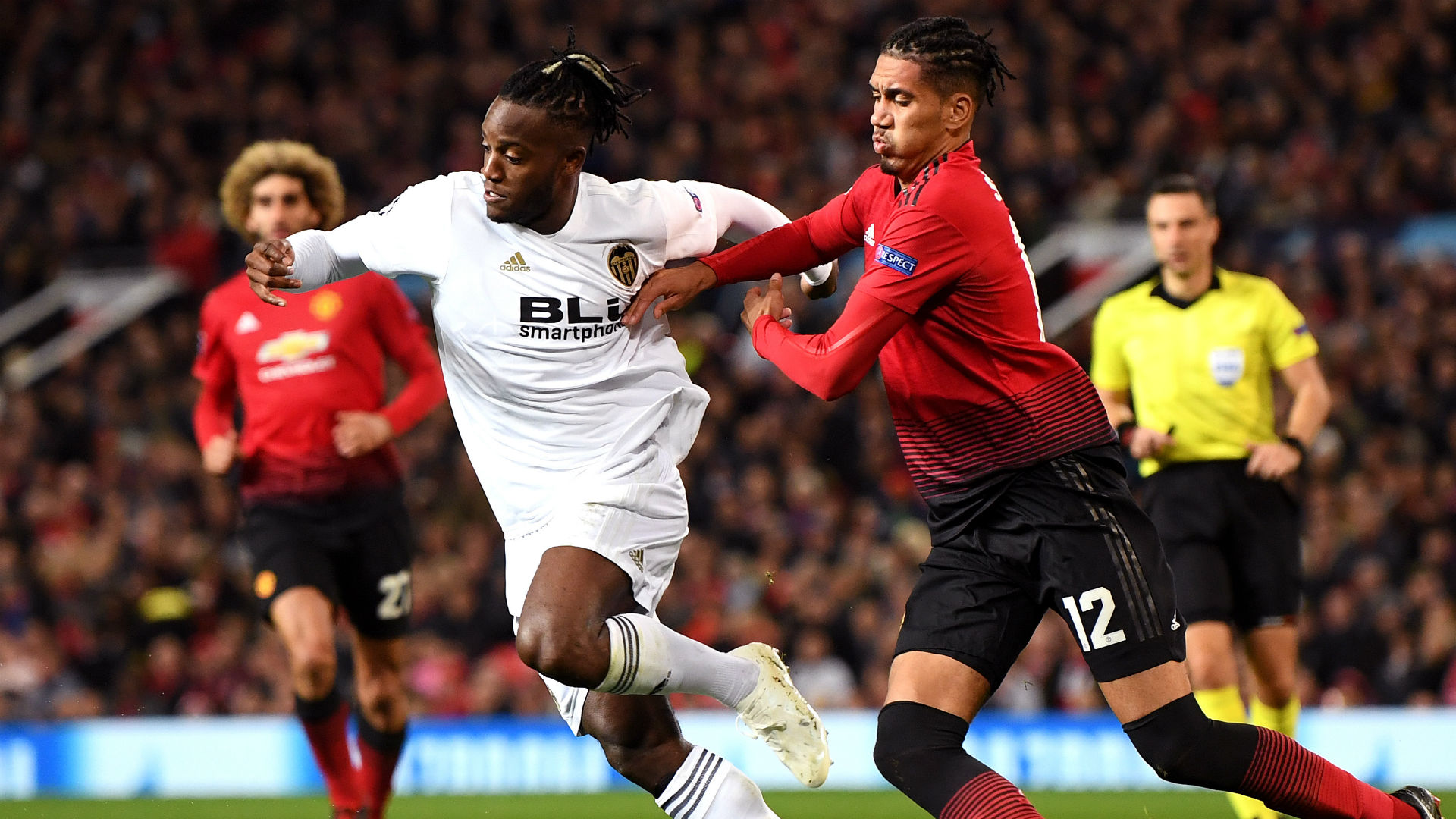 Michy Batshuayi Chris Smalling Manchester United Valencia UEFA Champions League 02102018
