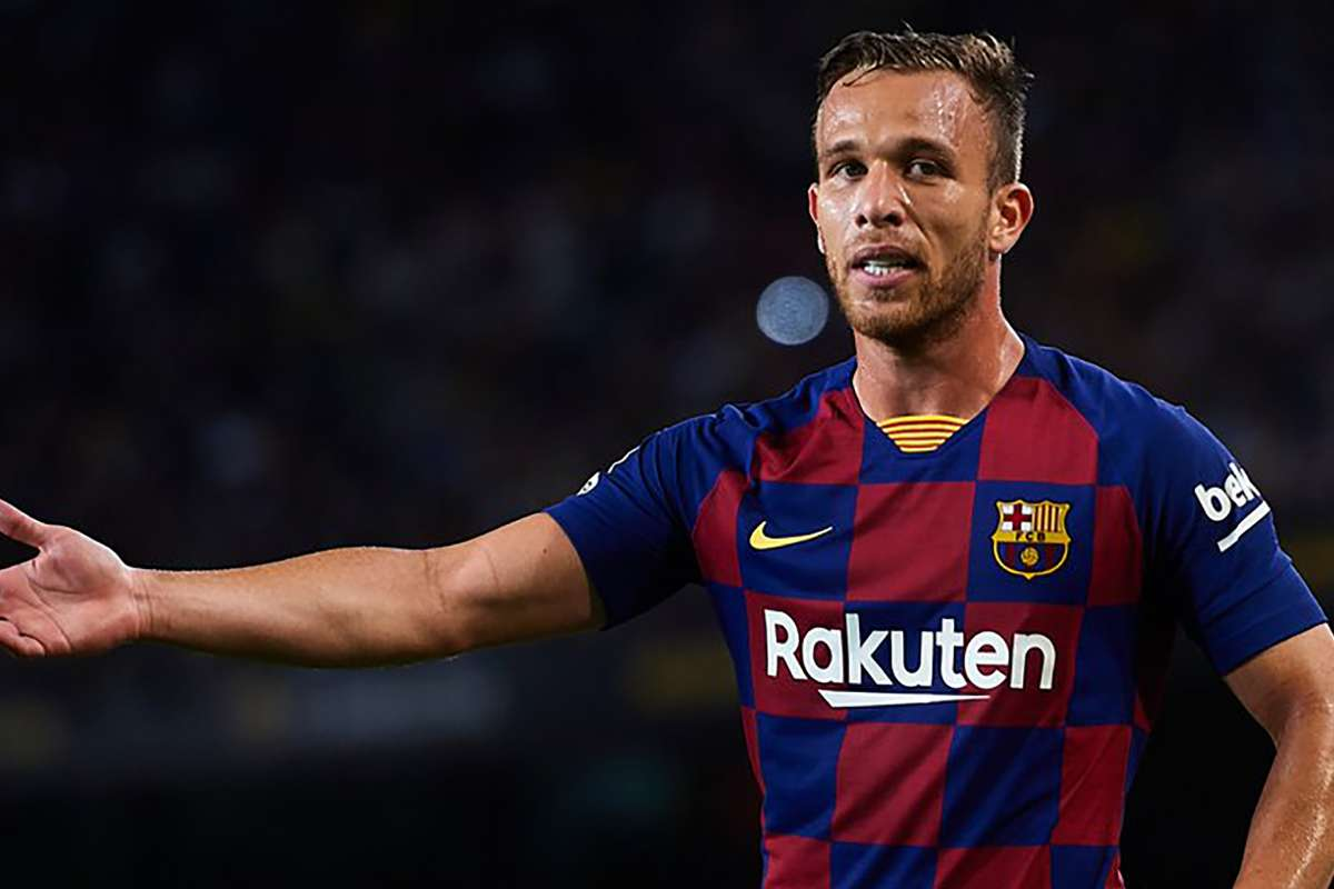 Arthur 'flattered' by Juventus interest but wants Barcelona stay