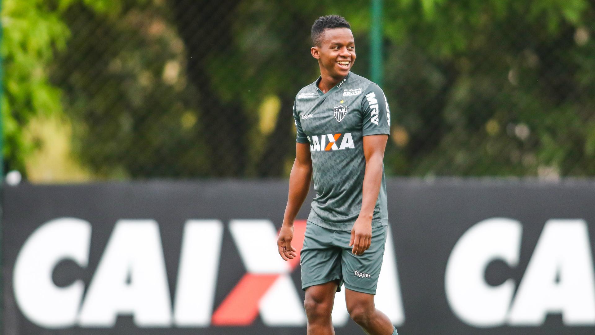 فشل مفاوضات الهلال مع البرازيلي خوان كازاريس   Goal.com