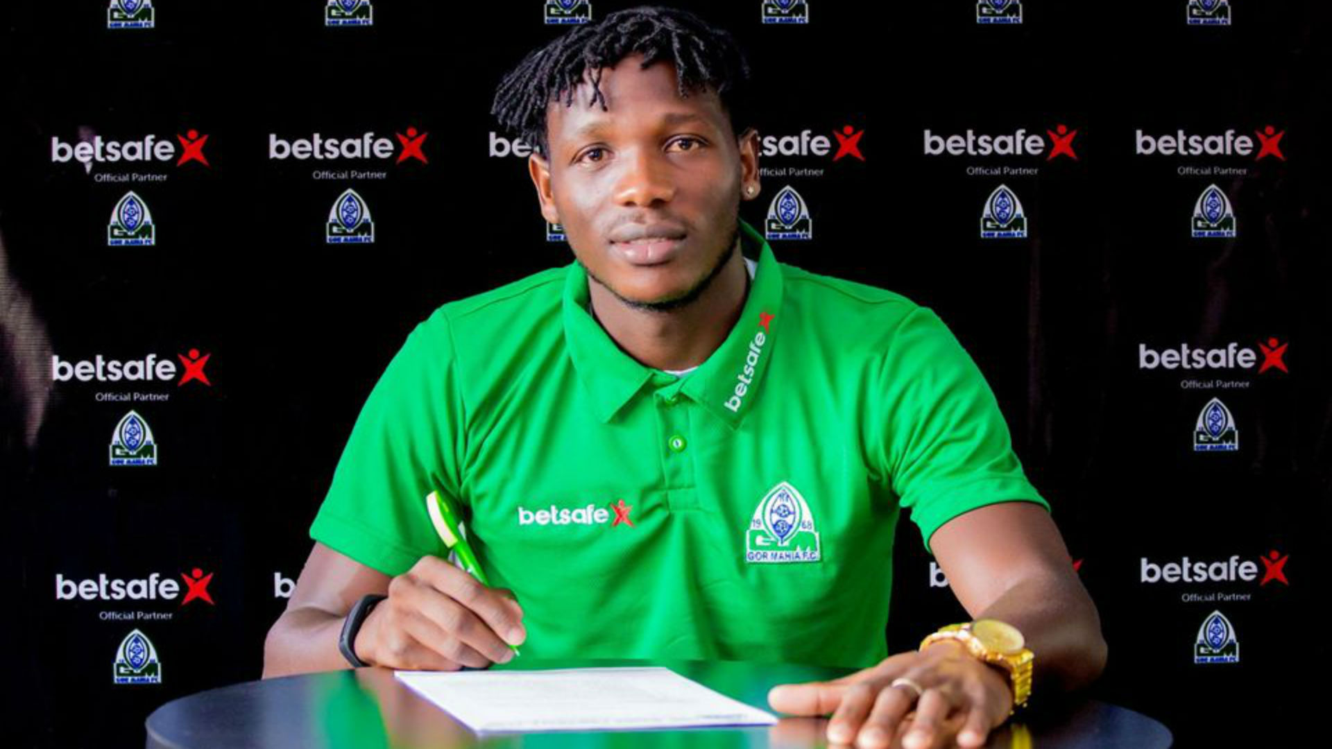 Bertrand Konfor: Gor Mahia seal signing of midfielder from Cameroon