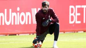 Alisson, Liverpool training
