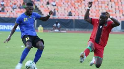 Tanzania and Simba SC defender Shomari Kapombe vs Malawi.