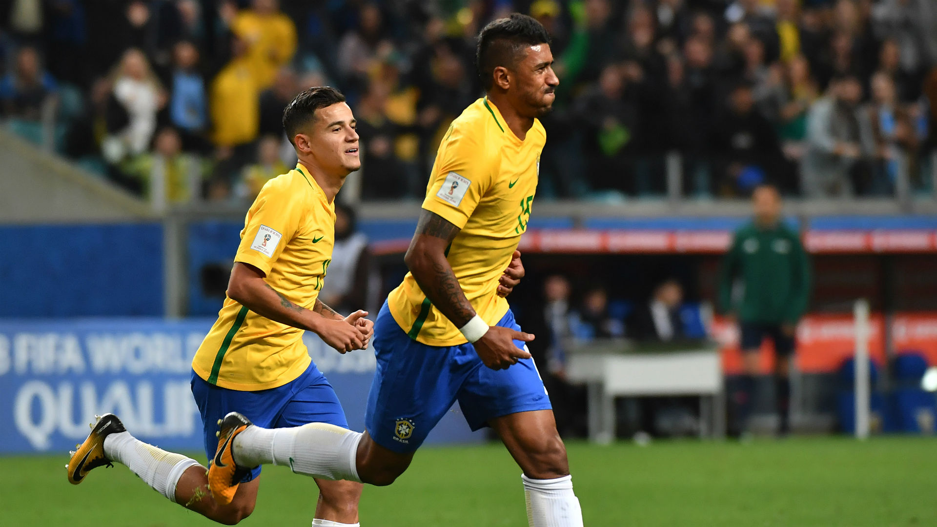 Paulinho Philippe Coutinho Brazil World Cup qualifying
