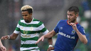 Scott Sinclair Celtic Stephen Lowry Linfield