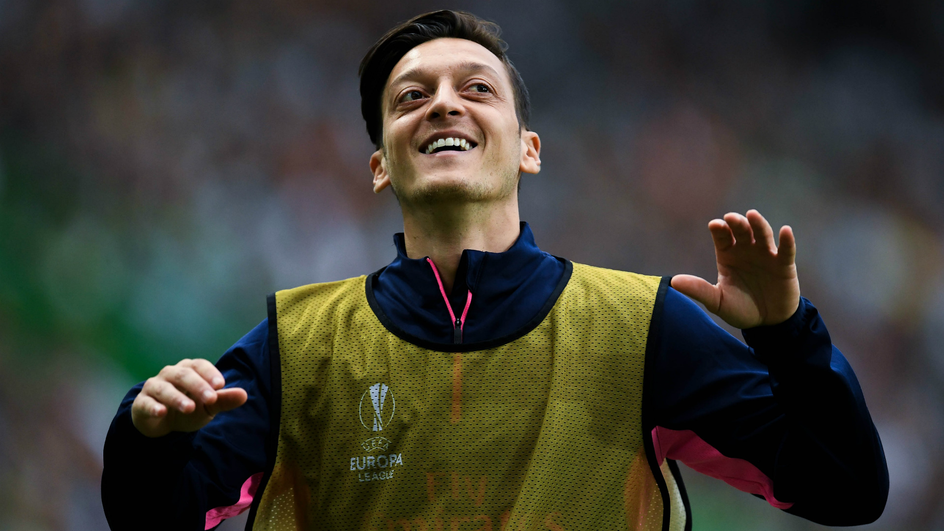 Arsenal news: Mesut Ozil insists No.10 is his best position after Unai  Emery experiments with him on the right | Goal.com