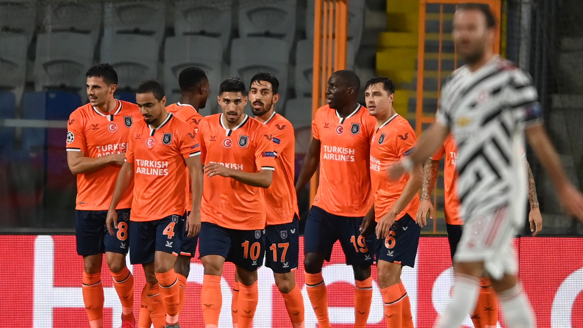 Laporan Pertandingan Istanbul Basaksehir 2 1 Manchester United Goal Com
