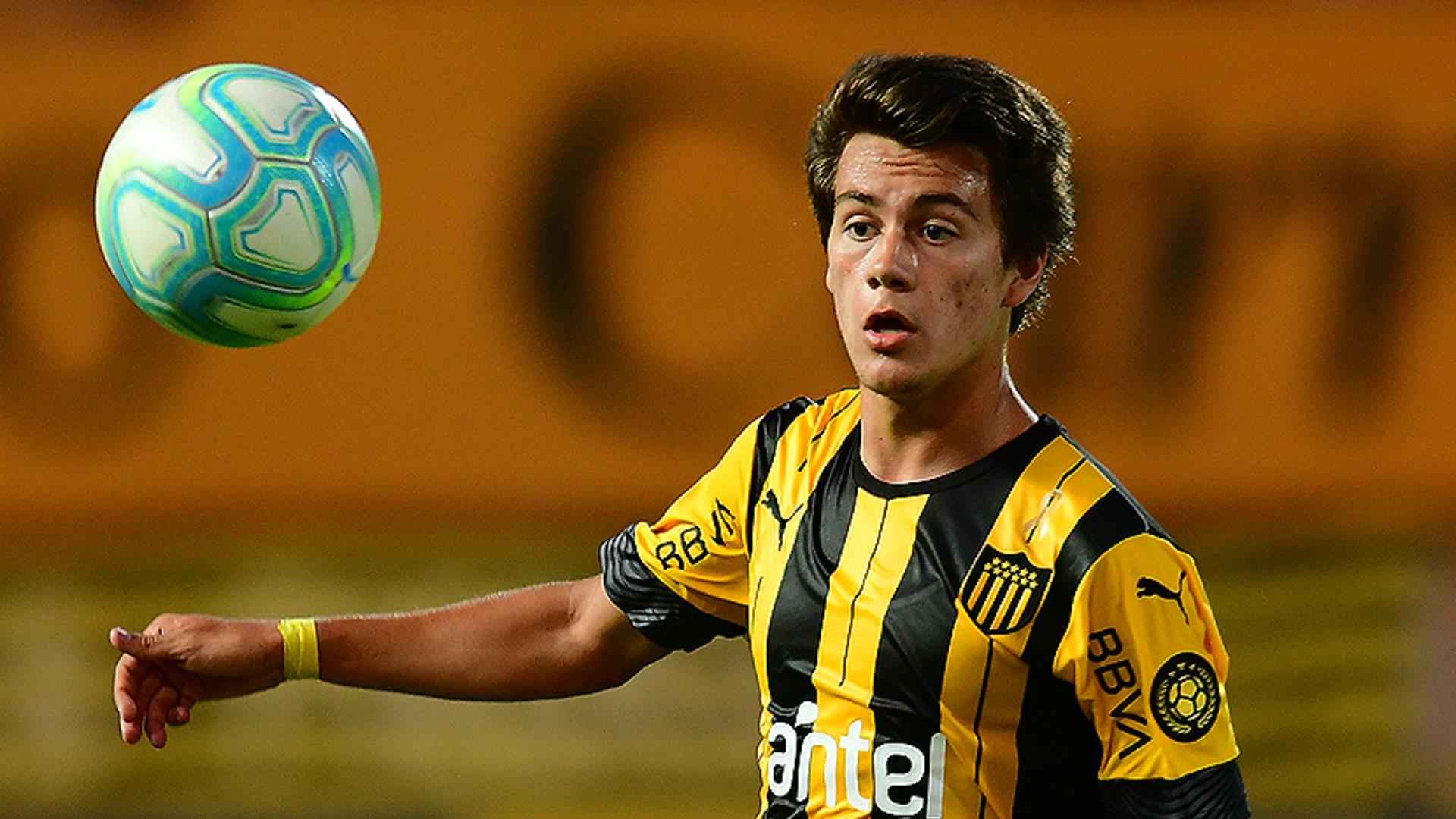 Quién es Facundo Pellistri, el crack de Peñarol que cautivó a Riquelme para Boca   Goal.com