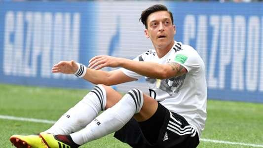"""Fritz Keller über Mesut Özil: """"So darf man einen verdienten Nationalspieler nicht gehen lassen""""   Goal.com"""