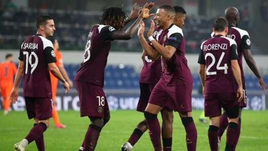 Basaksehir - PSG (0-2) : Un doublé de Kean offre la victoire aux Parisiens qui ont perdu Neymar sur blessure   Goal.com