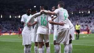 احتفال لاعبو السعودية بهدف الحمدان في مرمى قطر