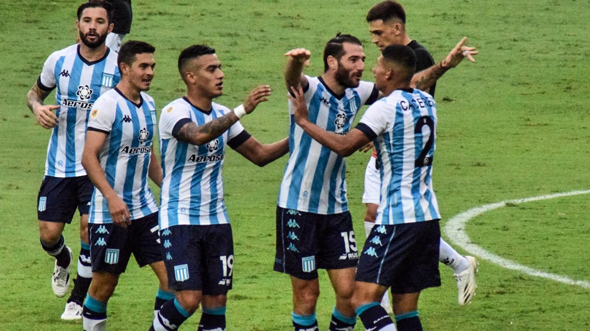 Formación de Racing vs. Vélez, por la Copa de la Liga Profesional:  convocados, once y suplentes   Goal.com