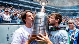 Kannemann Geromel Grêmio campeão Libertadores 2017