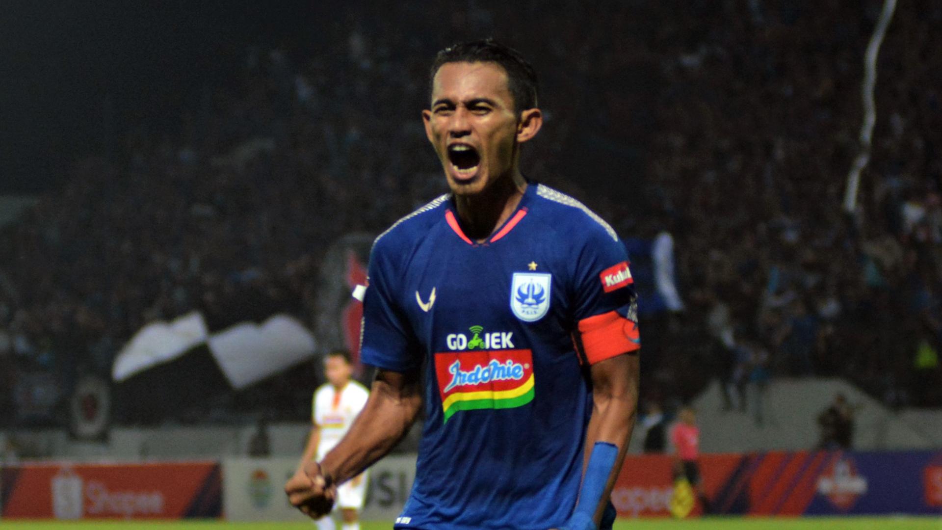 PSIS Semarang Tambah Durasi Kontrak Hari Nur Yulianto | Goal.com