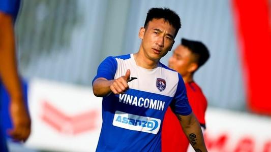 Tiền vệ Hải Huy phẫu thuật thành công, cần 3 tháng để trở lại tập luyện | Goal.com