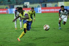 Bartholomew Ogbeche scores a penalty; Kerala Blasters vs Bengaluru FC