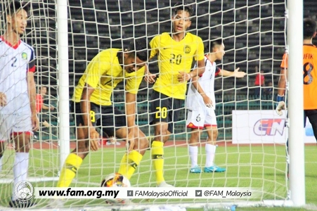 Malaysia hit 11 past Brunei to follow Thailand closely