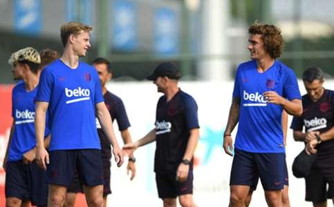 (NÓNG) Barcelona xác nhận 1 cầu thủ dương tính COVID-19 | Goal.com