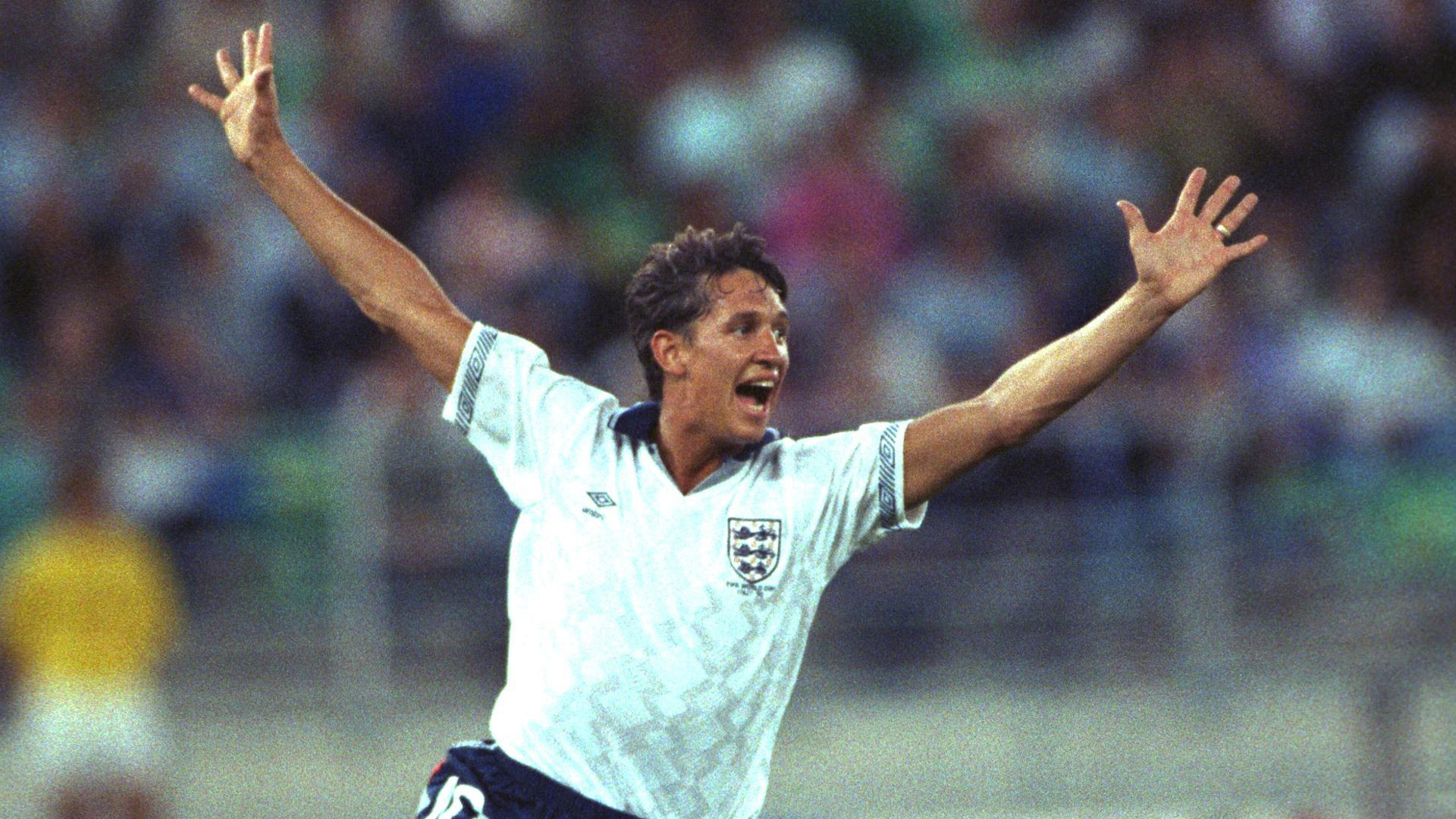 Why did Gary Lineker 'sh*t' on the pitch at World Cup 1990?