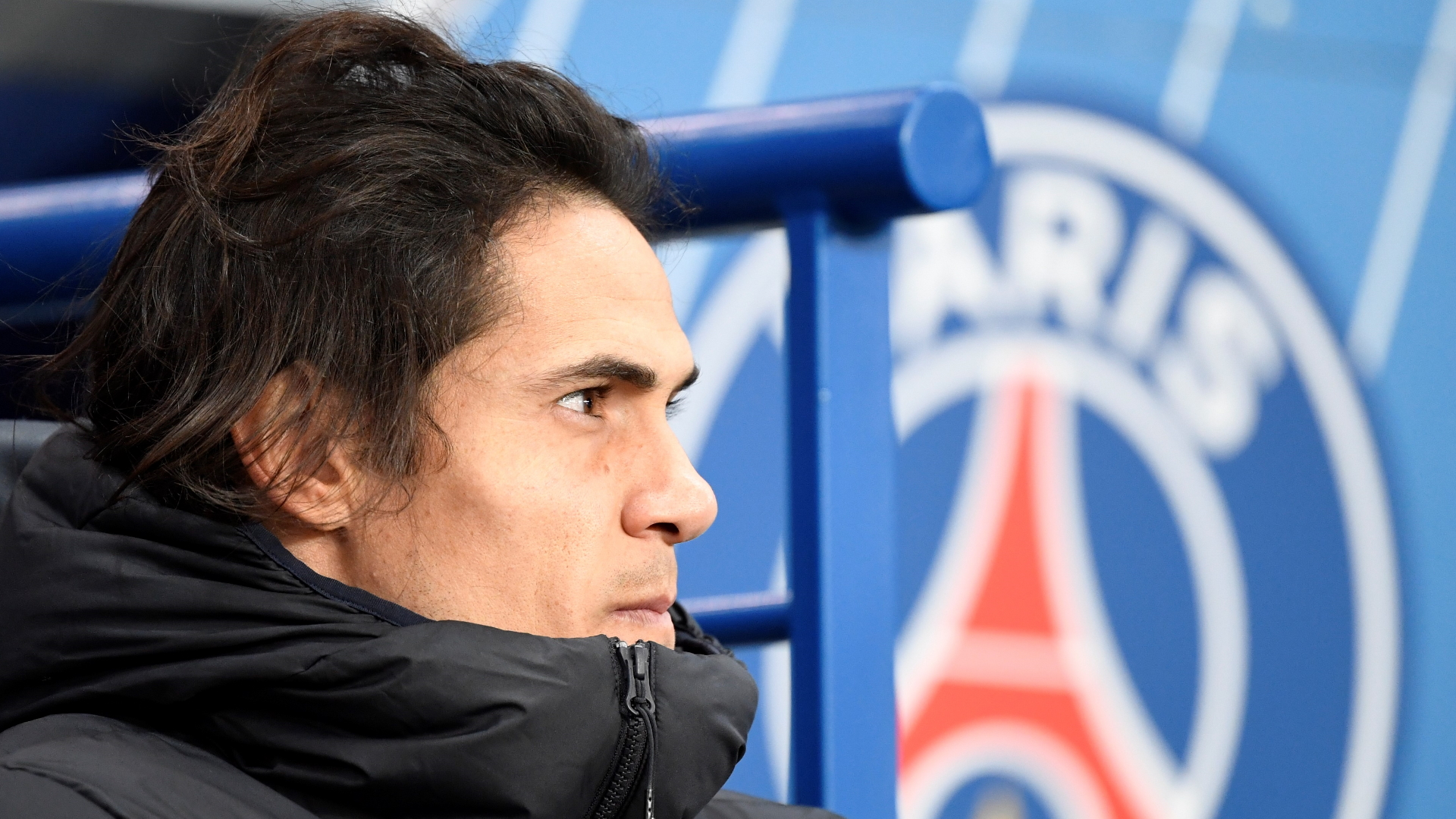No Manchester United offer for Cavani as former PSG striker's search for a new club goes on