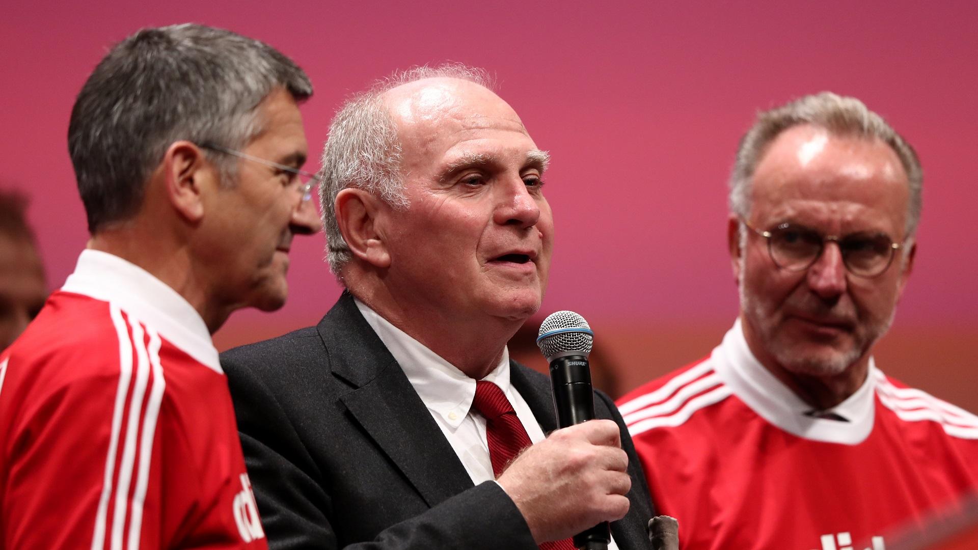 Bayern - Uli Hoeness critique la stratégie du Borussia Dortmund
