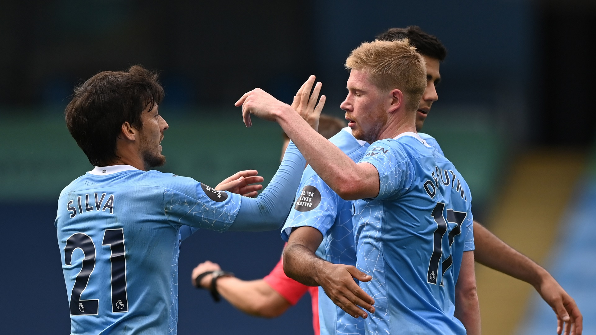 De Bruyne equals Henry's Premier League assist record in convincing Man City victory over Norwich