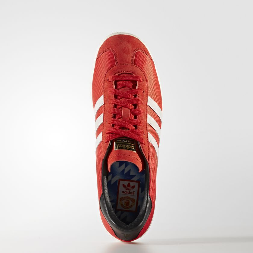Embed only Adidas Class of '92