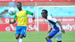 Teko Modise and Mpho Mvelase - Sundowns v Chippa Uniited