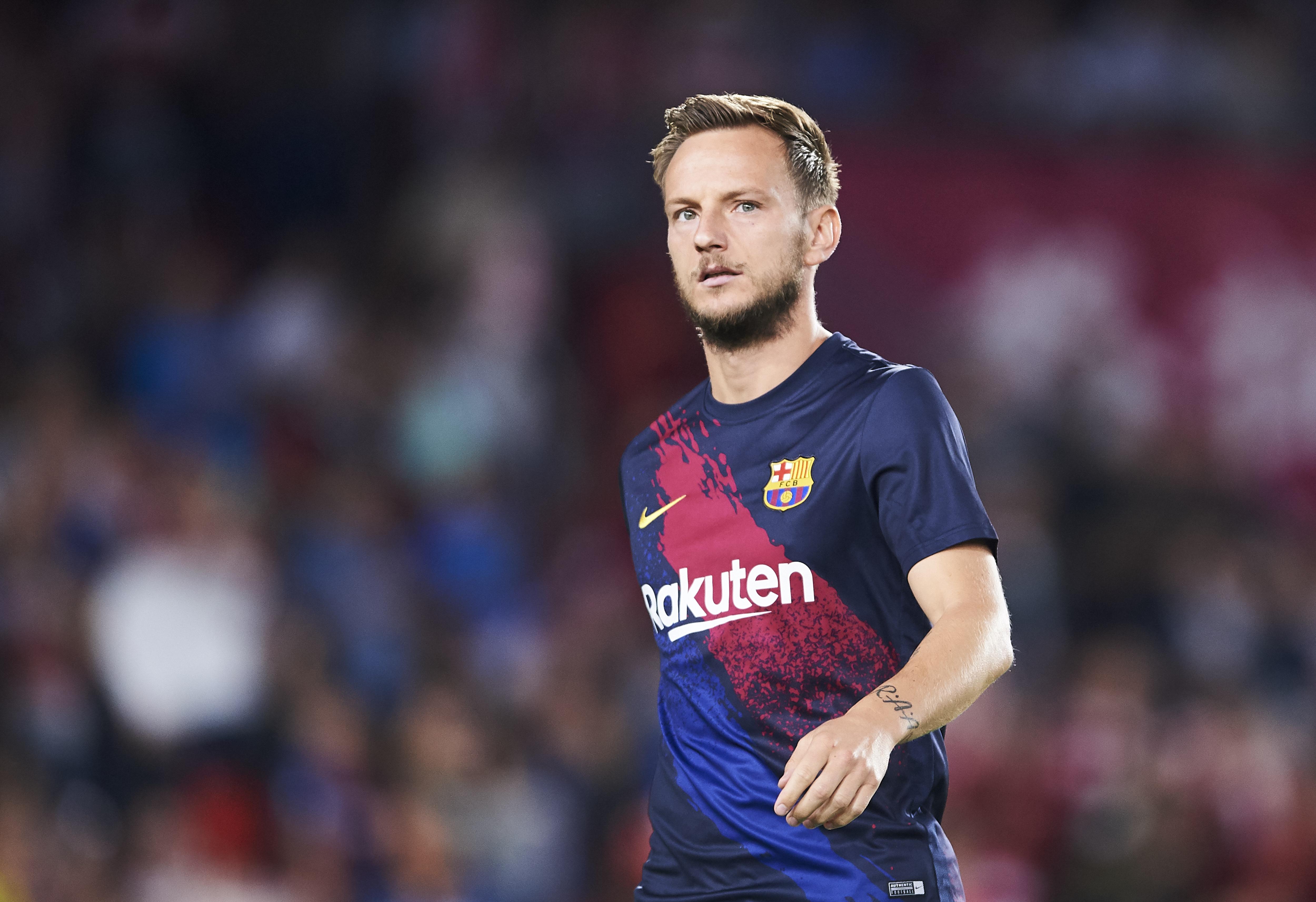 Inter, pressing del Barcellona per due pilastri nerazzurri: anche Rakitic nell'operazione