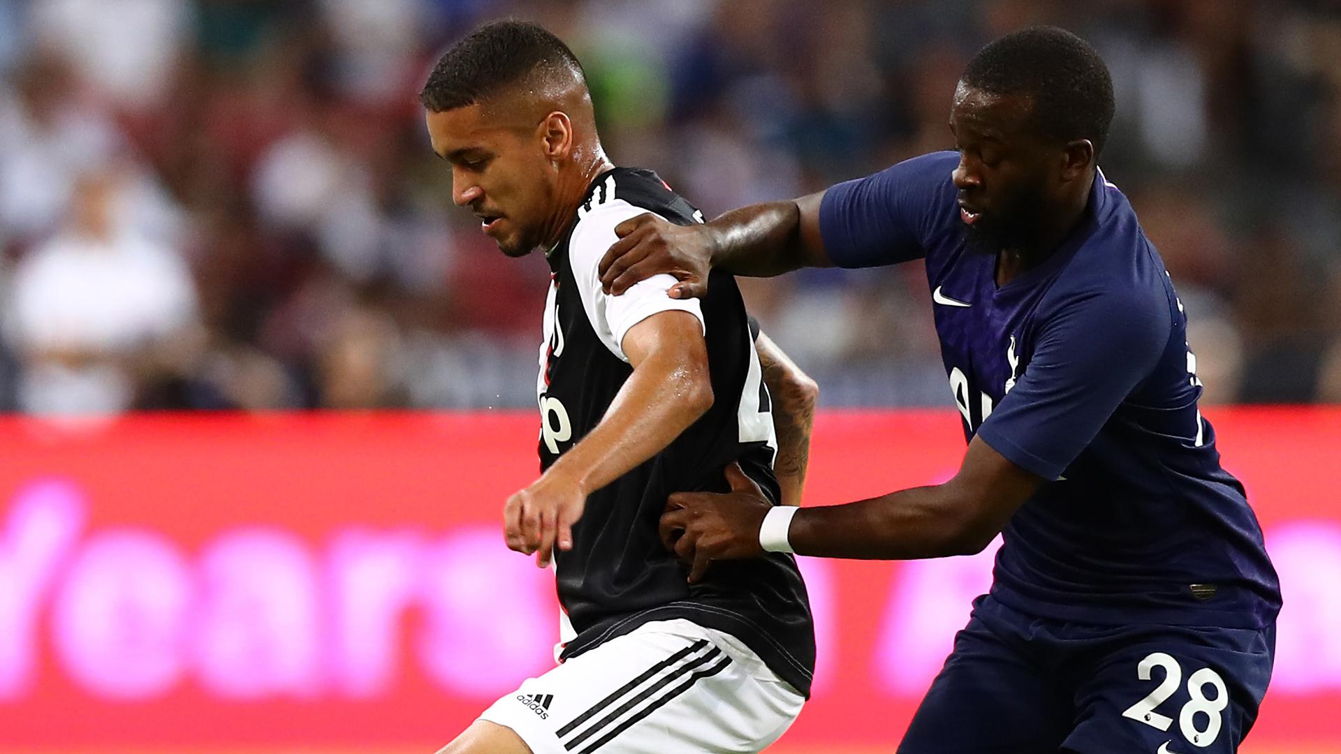 Juventus, infortunio per Higuain: a rischio per la gara con la Roma