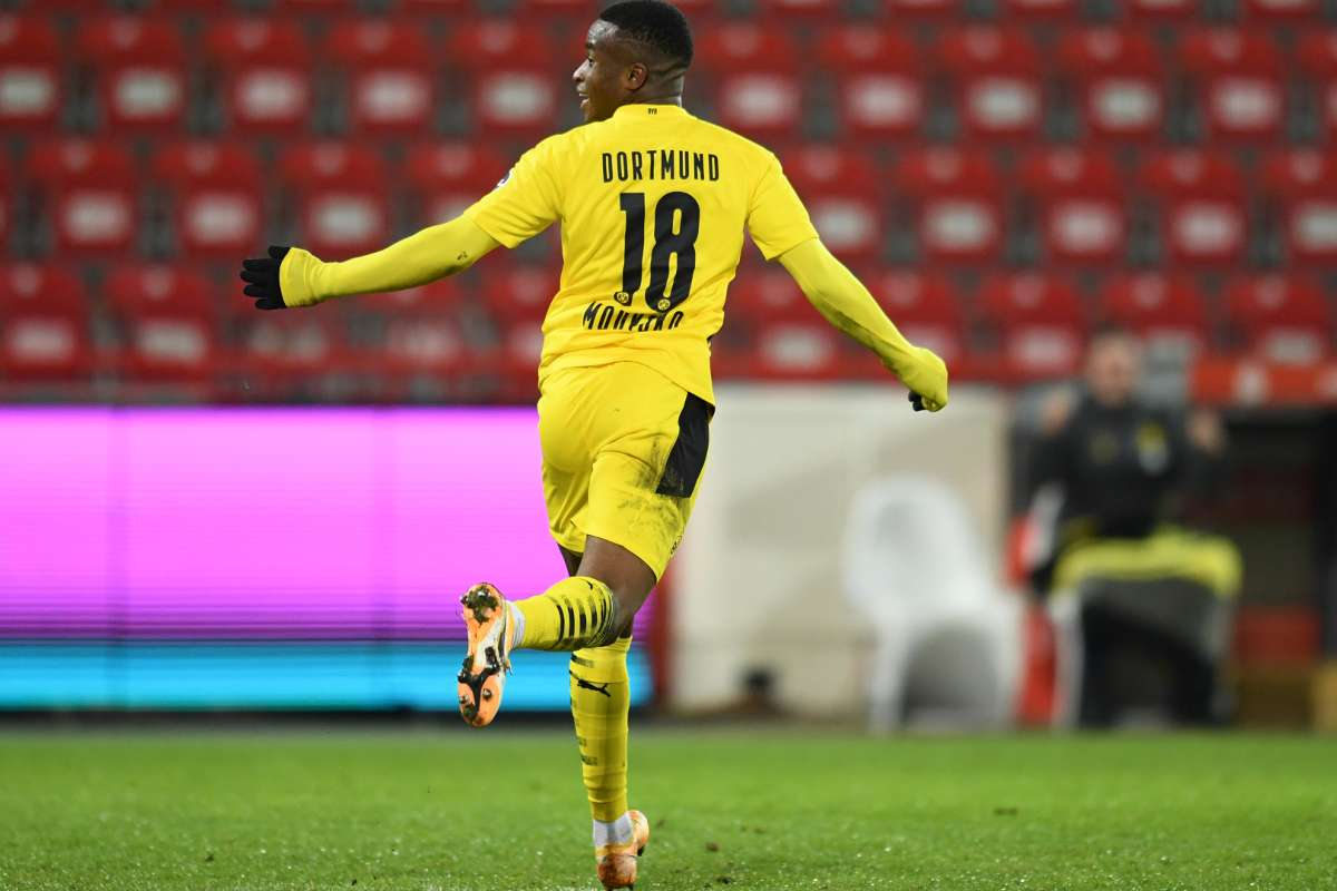 Youssoufa Moukoko Borussia Dortmund 2020-21