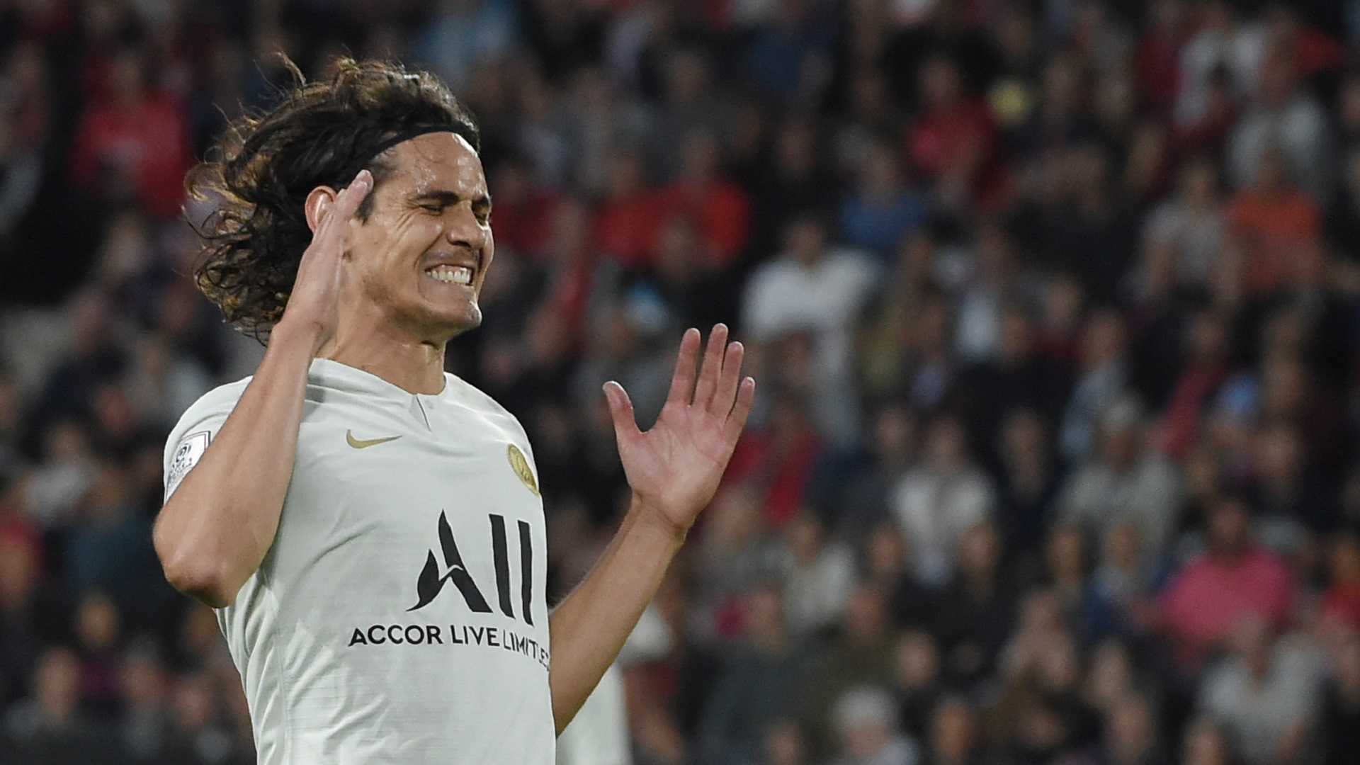 Cavani 'lacking rhythm and confidence' concedes Tuchel amid PSG exit rumours