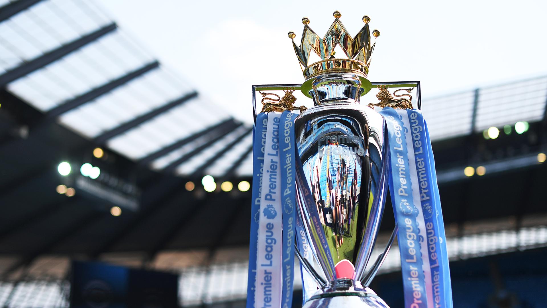 الدوري الإنجليزي الممتاز من هم الفائزين مصمم الكأس وما هي الأندية التي احتفظت باللقب Goal Com