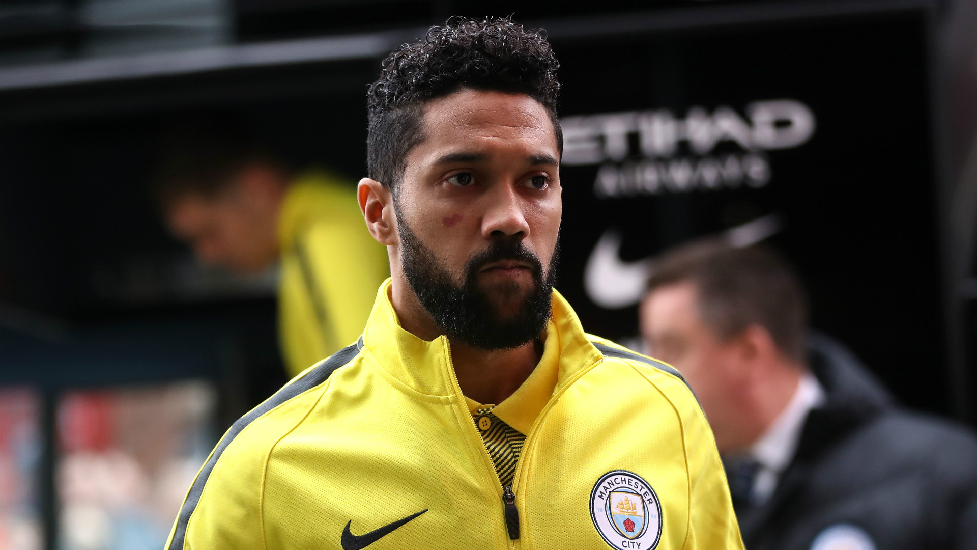 clichy looking just interested for someone real