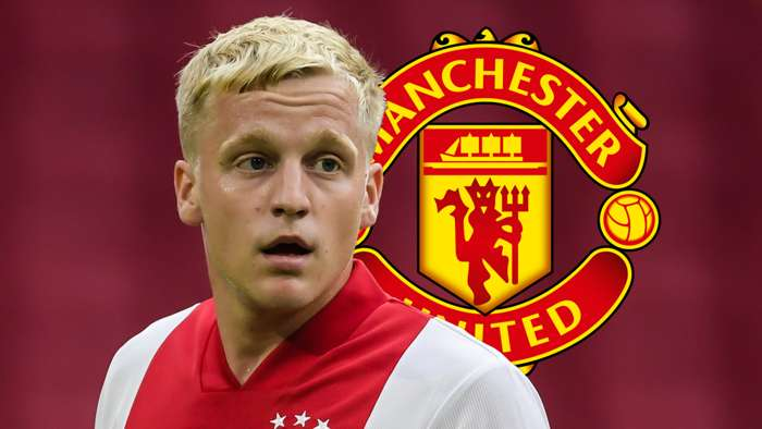 Donny van de Beek, Manchester United badge