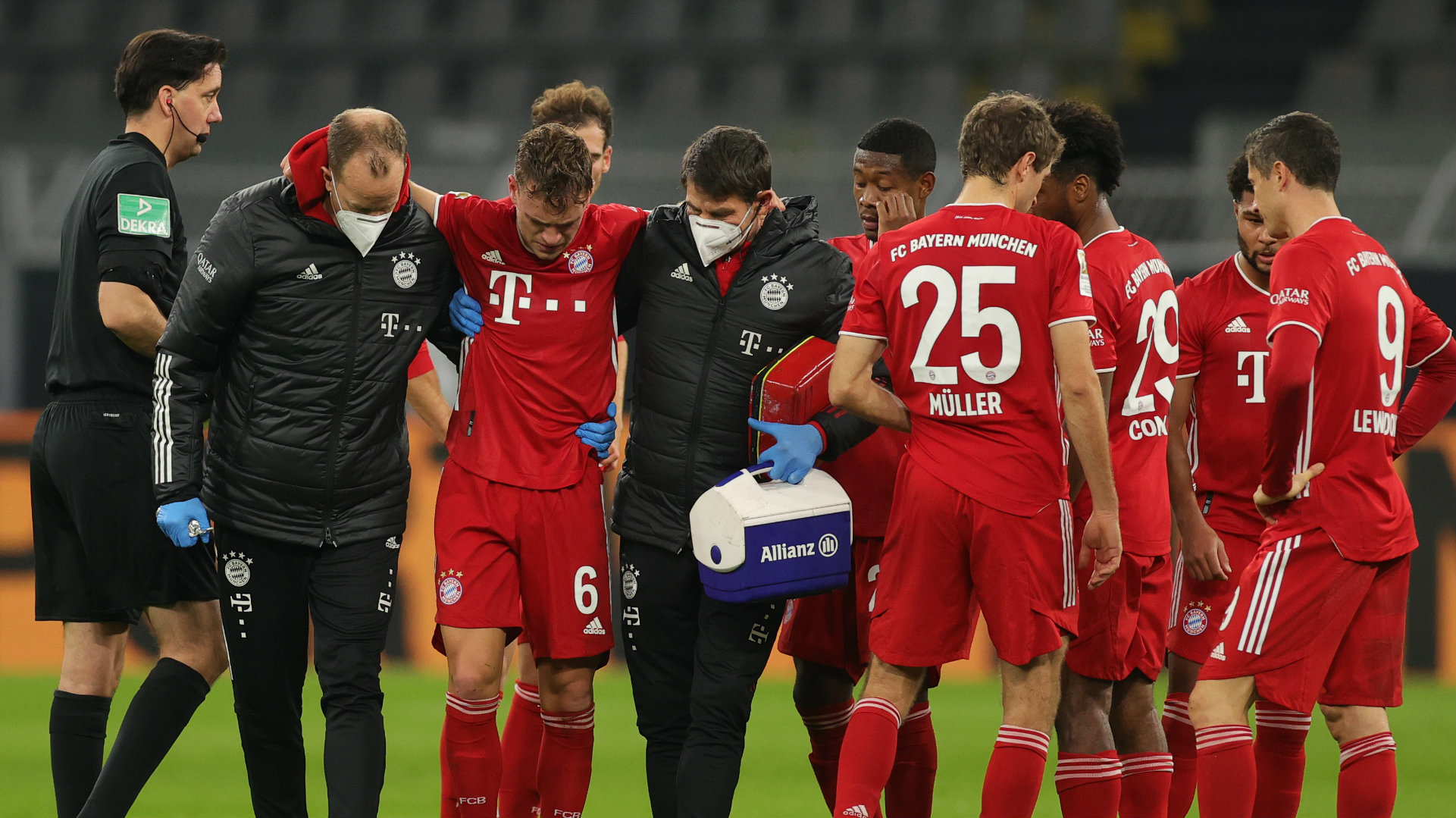 Bayern Star Kimmich Ruled Out Until New Year After Suffering Injury In Der Klassiker Goal com