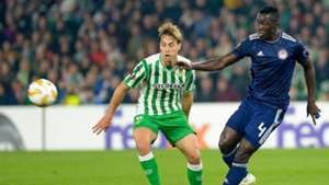 Sergio Canales of Real Betis and Olympiakos's Mady Camara