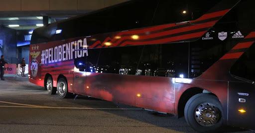 Le car de Benfica caillassé, deux joueurs hospitalisés — Portugal
