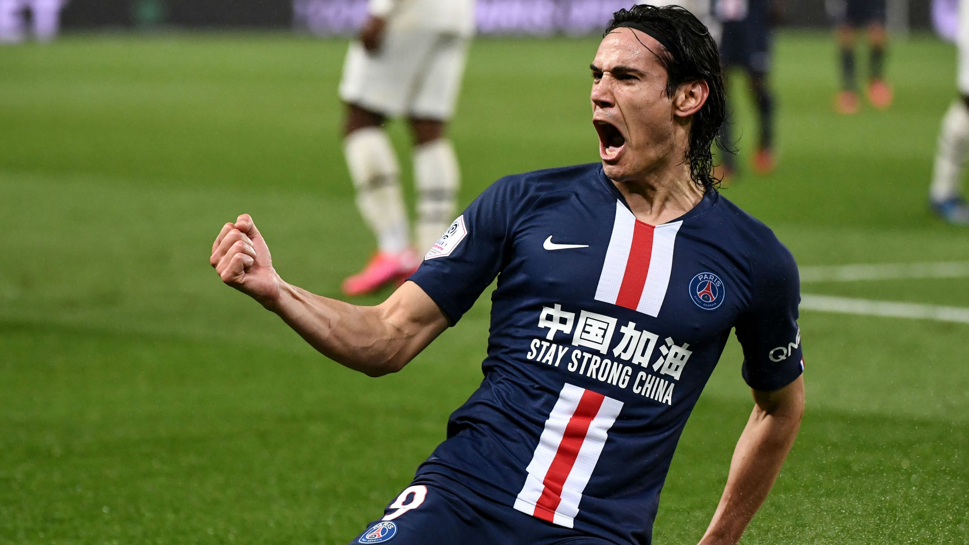Cavani Becomes First Psg Player To Score 200 Goals For The Club Goal Com
