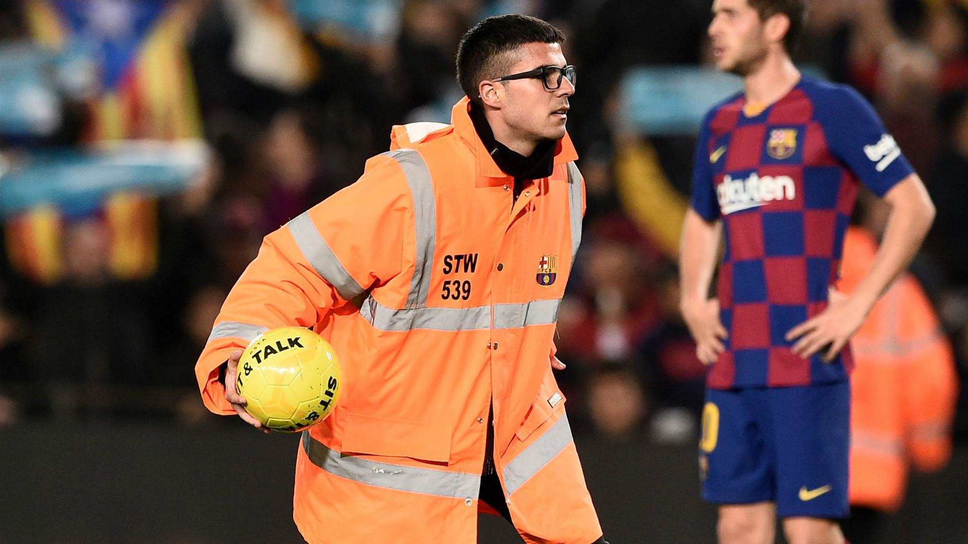 Barcelona steward 2019