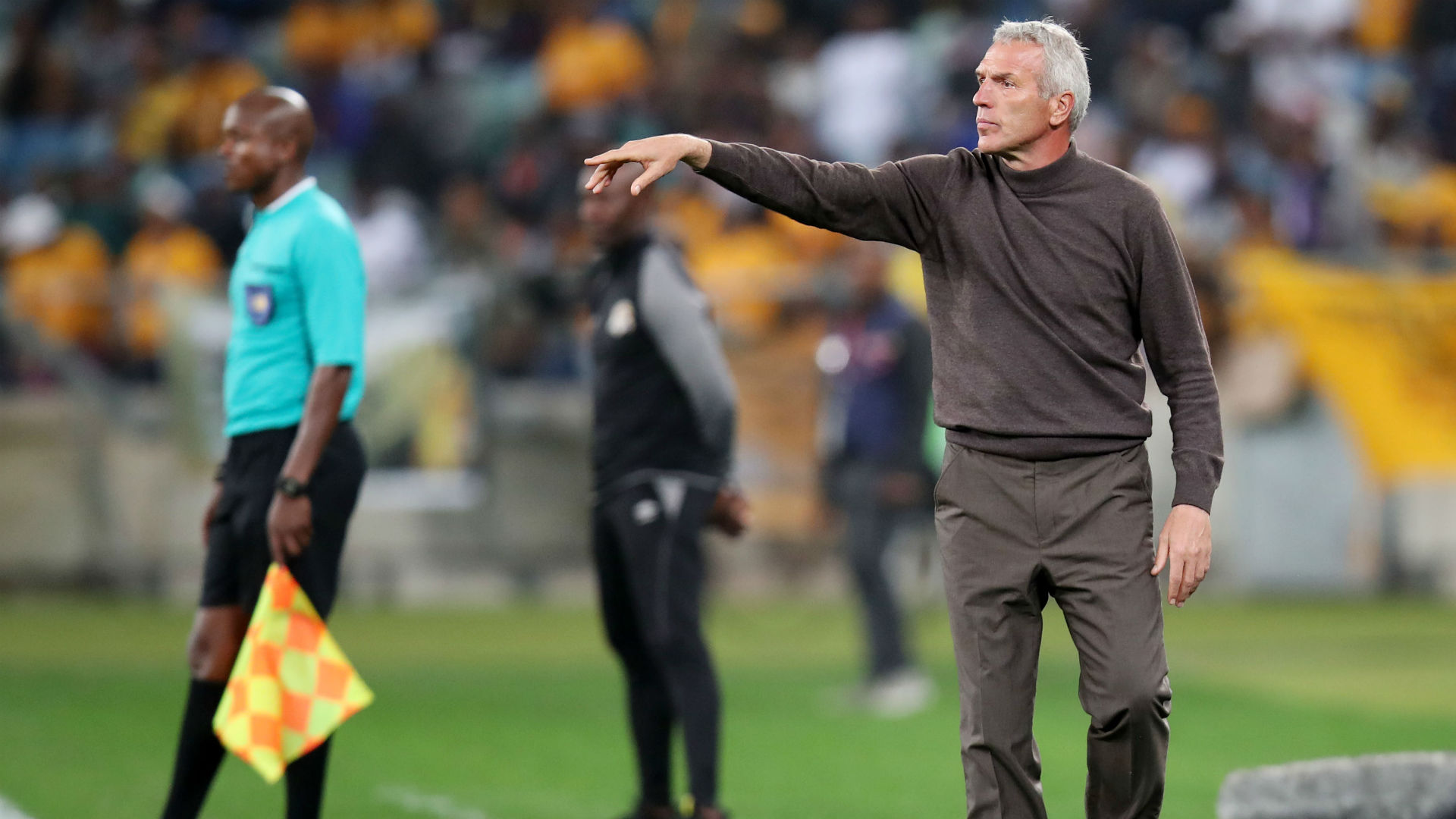 Celebration must not place Kaizer Chiefs under pressure – Middendorp