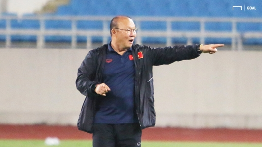 Thầy Park tố bị trợ lý HLV Thái Lan 'cà khịa', lý giải nguyên nhân thay Hùng Dũng | Goal.com
