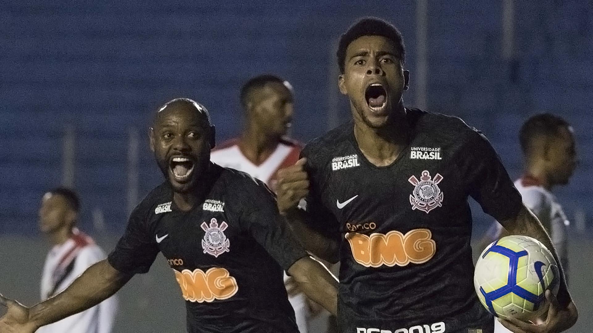 Gustagol Vagner Love Ferroviária Corinthians Copa do Brasil 07022019