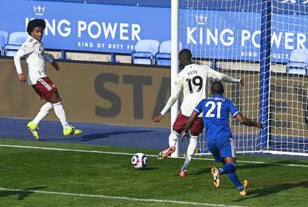 พลาดรองฝูง! เลสเตอร์เจ็บอื้ออาร์เซนอลแซงน็อคคาถิ่น 1-3 | Goal.com