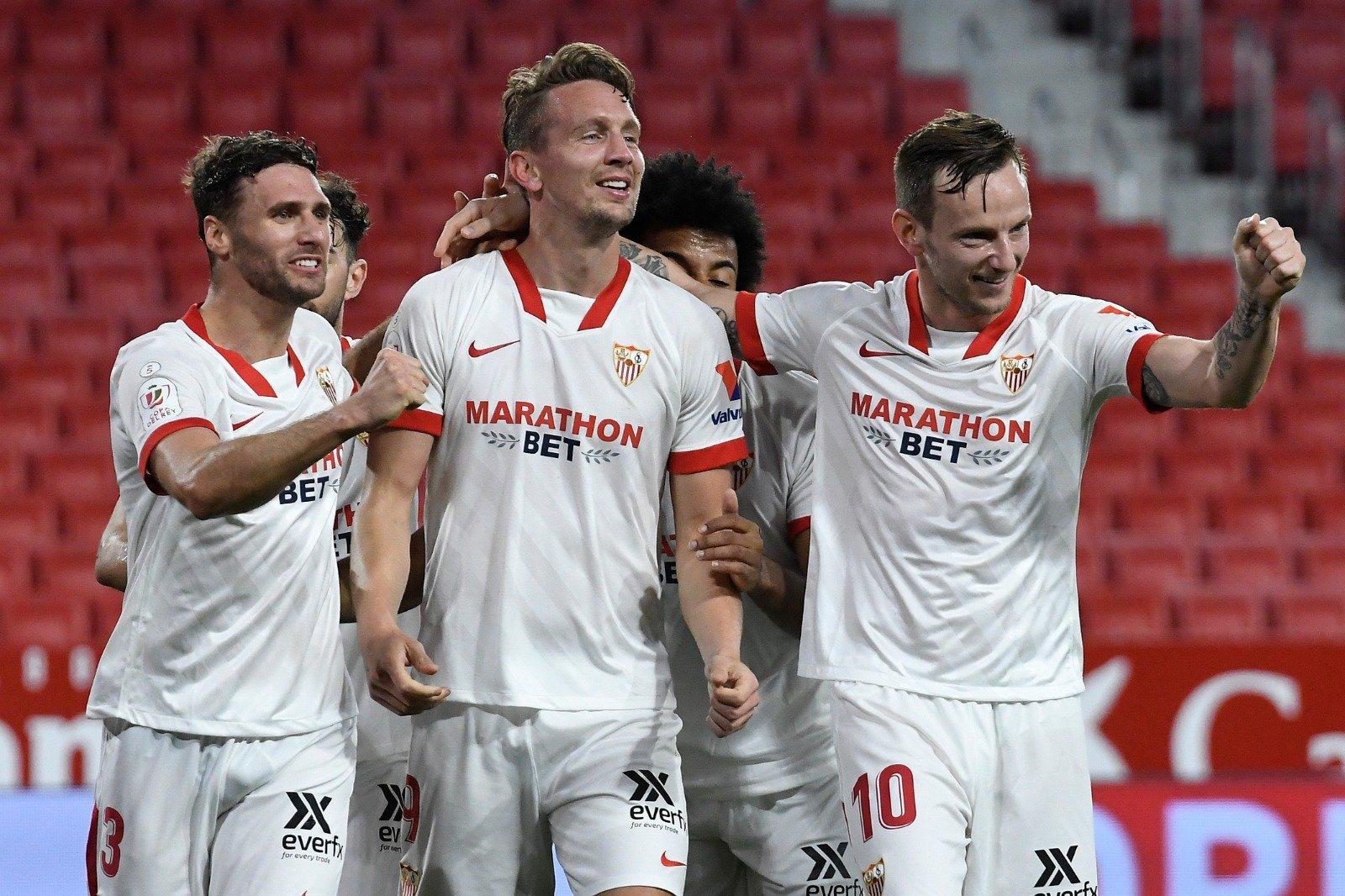 El Sevilla golea al Valencia y ya sólo queda el Almería como único no-primera en la competición
