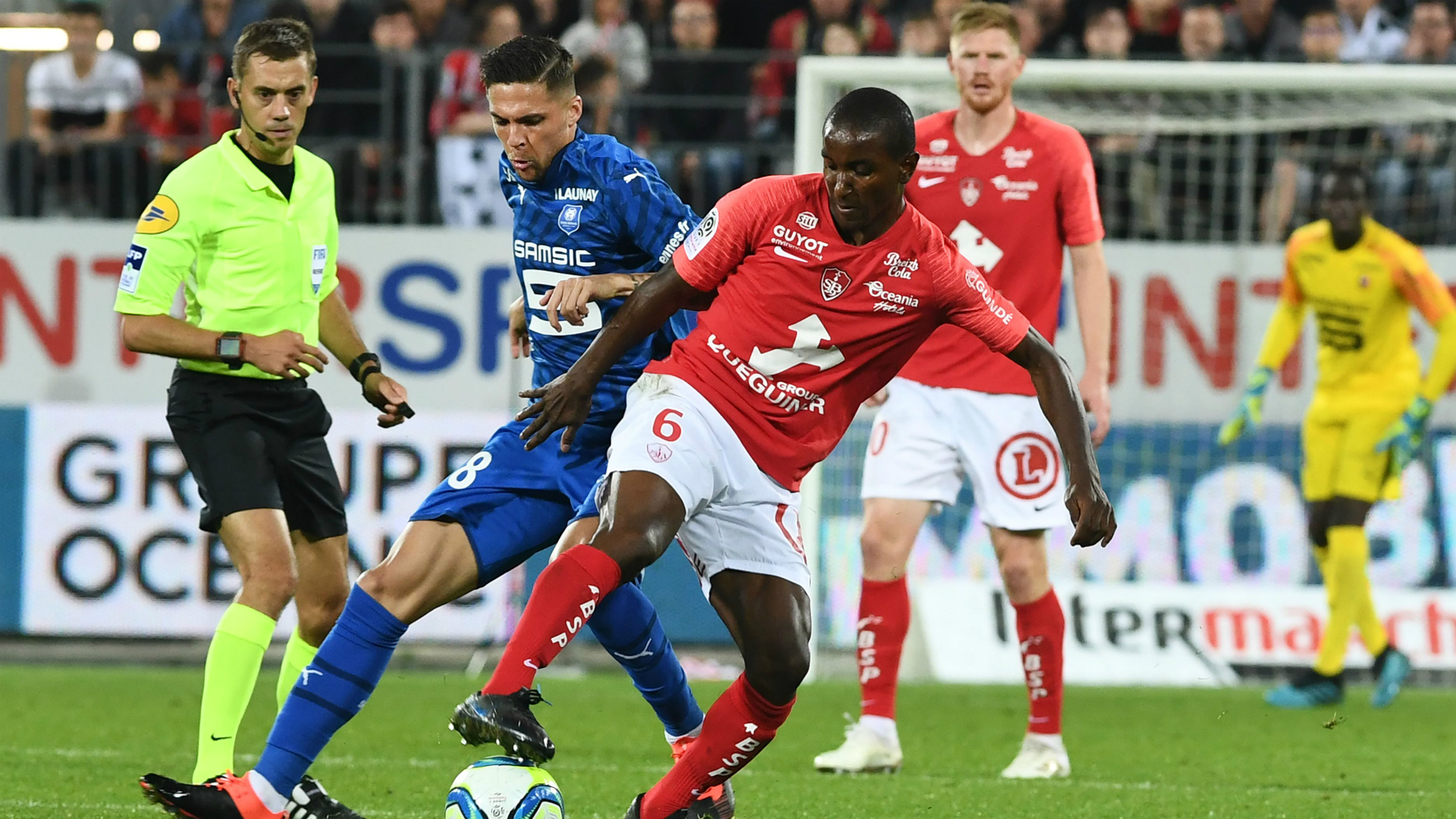 Southampton Hoping To Sign Diallo After Losing Sangare Due To Work Permit Issues Goal Com