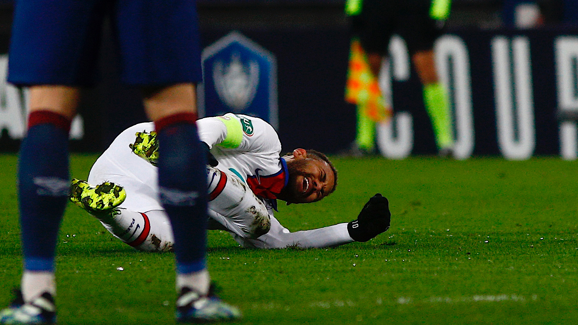 Neymar to miss Barca clash as PSG star ruled out for four weeks