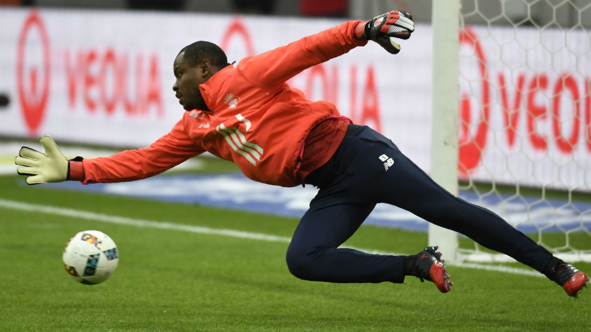 No days off for Enyeama as ex-Lille star keeps fit in quarantine