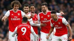 Arsenal celebrating Alexandre Lacazette